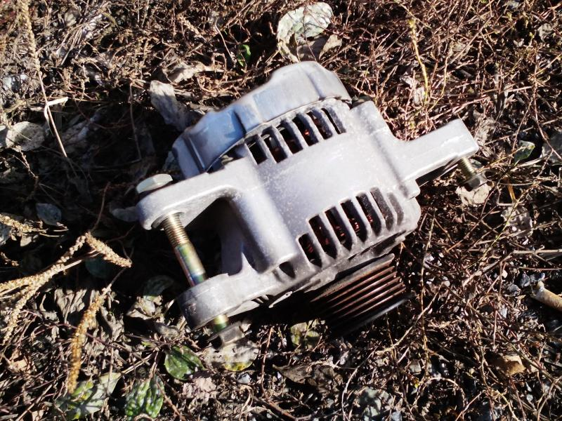 Vand Alternator generator Toyota corolla 1.4 97 cai 2001 71 kw