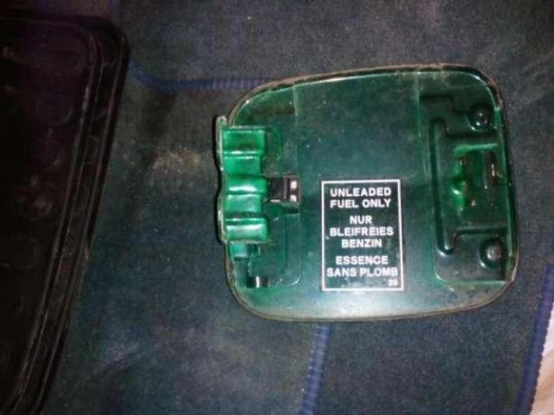 Vand Usita usa buson rezervor mitsubishi colt 1996-2003