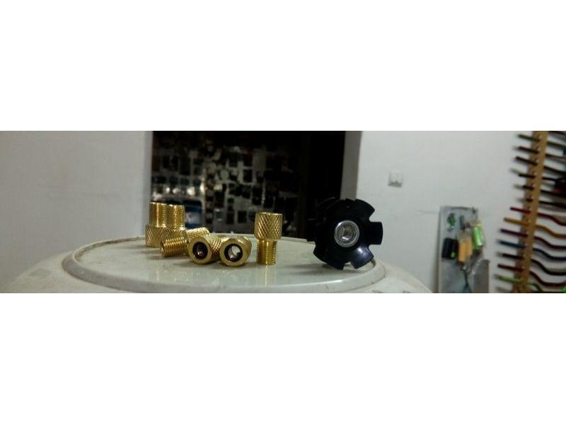 Vand Adaptor ventil FV / AV taiwan pentru umflat roti biciclete