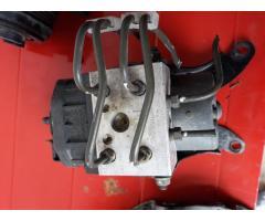 Vand pompa ABS Subaru Impreza WRX cod 27534fe041