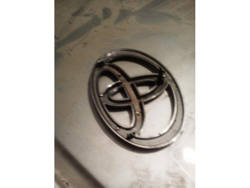 Vand sigla radiator Toyota Corolla e112 2001