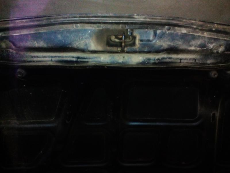 Vand capota mazda 323f ba1996 1.5