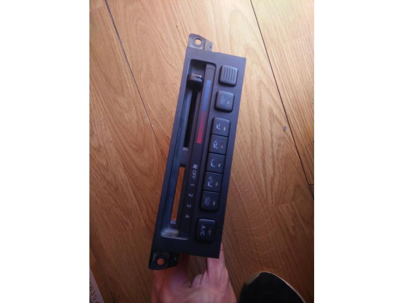 Vand comenzi climatizare Mazda 323f ba 1996