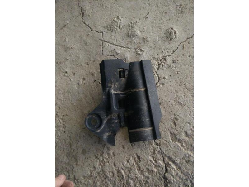 Vand plastic radiator mazda 323f ba