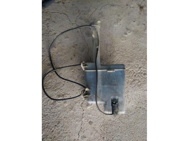 Vand rezerbor lichid parbriz mazda 323f ba 1996